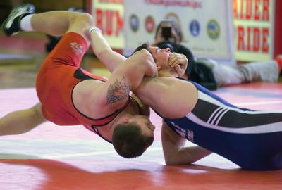 men_wrestling_sports